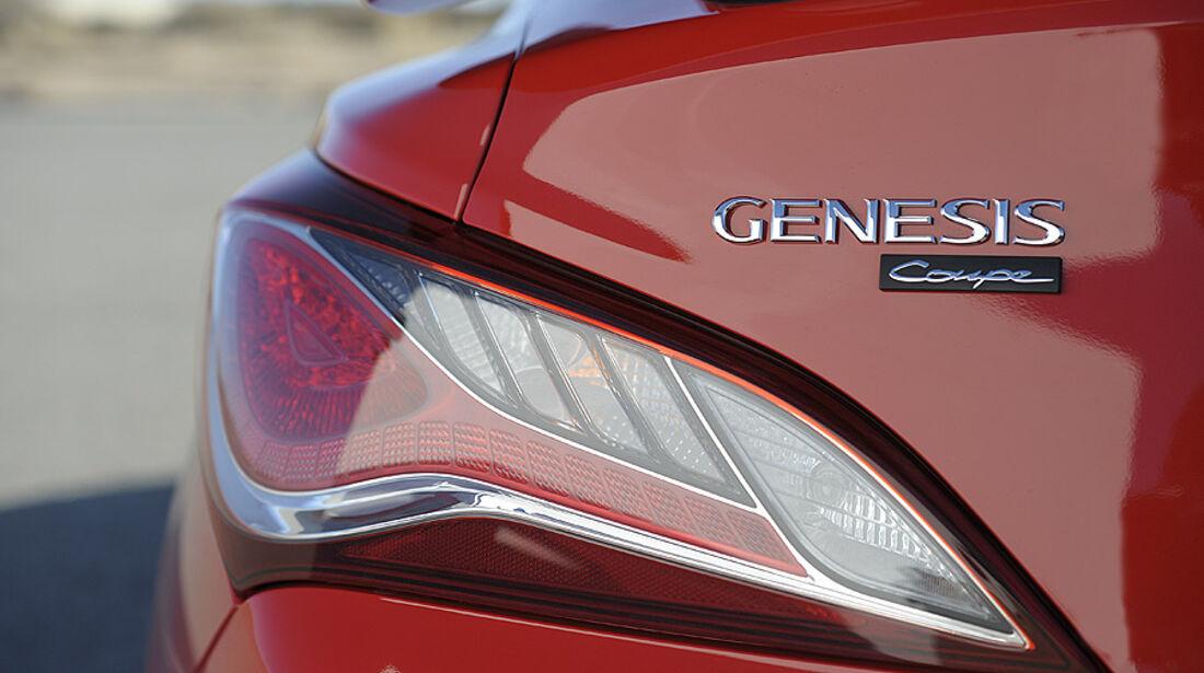 01/2012, Hyundai Genesis Coupé 2012, Detroit, Rücklicht