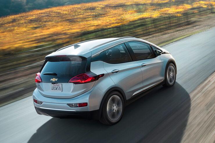 E Autos Im Vergleich Tesla Model 3 Chevrolet Bolt Ampera E