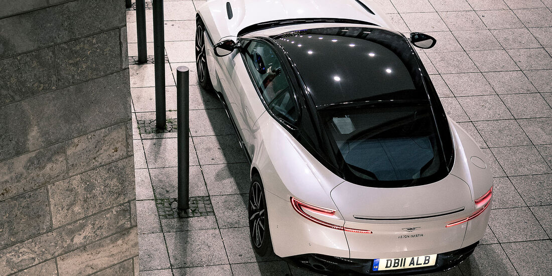 01/2018 Aston Martin DB11 V8 Coupé
