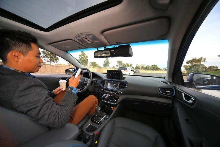 01/2018, Hyundai Ioniq Autonom