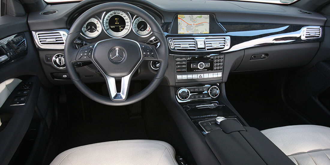 03/11 aumospo 07/2011 Mercedes CLS 350, Innenraum