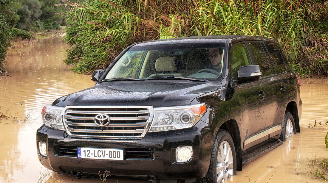 04/2012, Toyota Land Cruiser V8, facelift