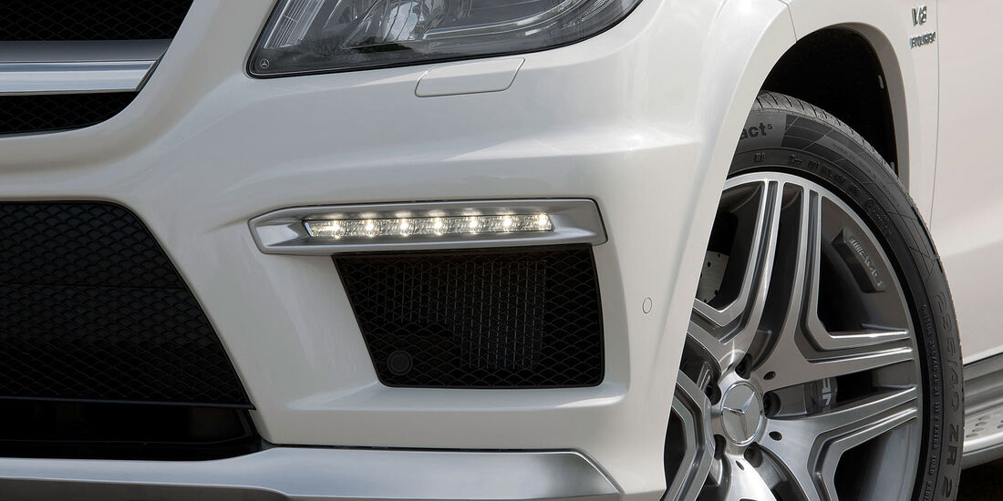 05/2012, 2012 Mercedes GL 63 AMG, Lufteinlass, Frontschürze