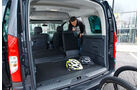 12/2012 ams27/2012, Vergleichstest Mercedes Citan 109 CDI Kofferraum