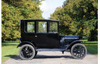 1923er Ford Model T Centre-Door Sedan