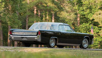 """1962 Lincoln Continental """"Bubbletop"""" Kennedy Limousine"""