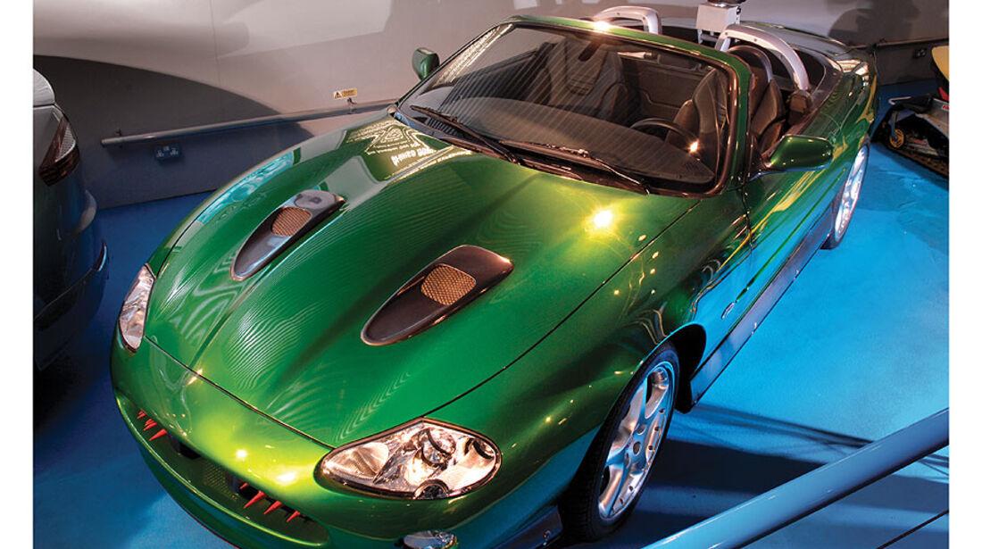 1998er Jaguar XKR James Bond Special Effects Car