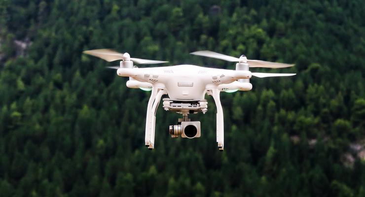 7/2019, Drohne