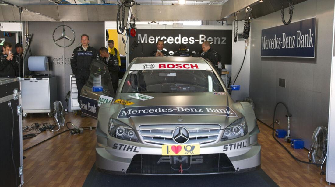 AMG Mercedes C-Klasse von Bruno Spengler in der Box