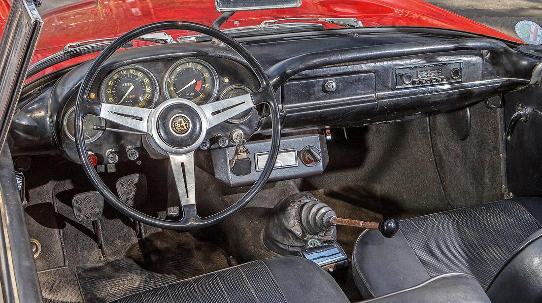 Alfa Romeo 2600 Spider, Cockpit