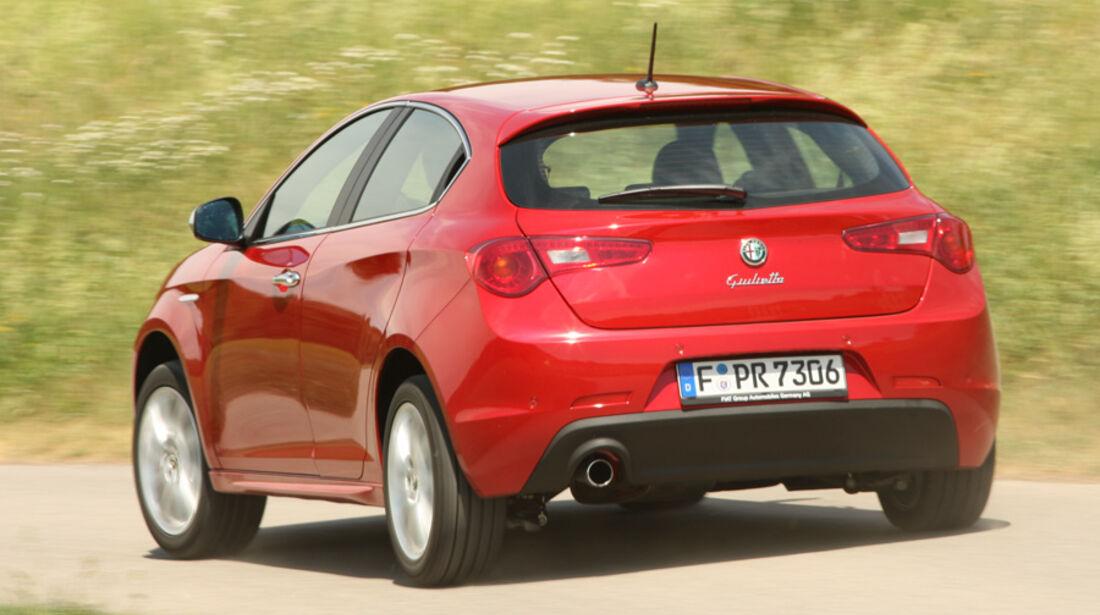 Alfa Romeo Giulietta 1.4 TB 16V, Heck, Rückansicht, schräg