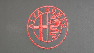 Alfa Romeo Giulietta Quadrifoglio Verde genähtes Logo