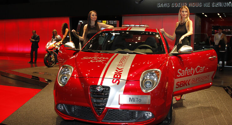Alfa Romeo Mito SBK SafetyCar, Girls, Messe, Autosalon Paris 2012
