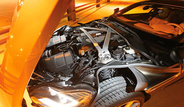 Aston Martin DB11, Motor