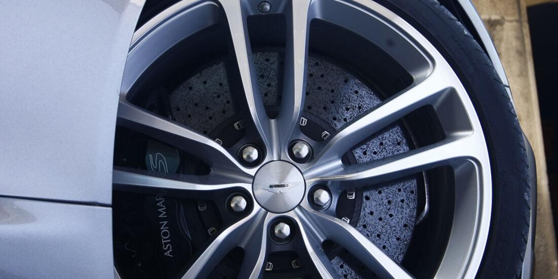 Aston Martin DBS Volante, Rad