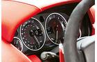 Aston Martin V12 Vantage S, Rundinstrumente