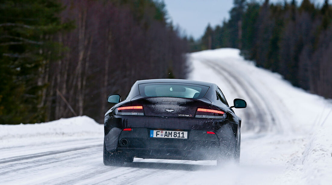 Aston Martin V12 Vantage S, Sportwagen