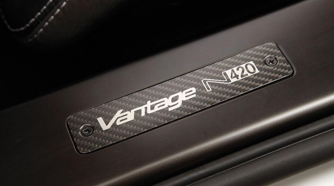 Aston Martin V8 Vantage N420, Logo