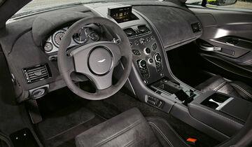 Aston Martin Vantage GT8, Cockpit