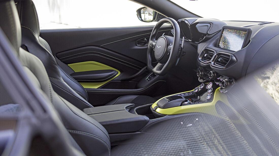 Aston Martin Vantage, Inteieur