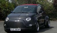 Atomik Cars Fiat 500 Elektroauto schräg von der Seite