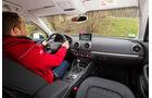 Audi A3 Limousine 1.6 TDI Ultra, Cockpit, Fahrersicht