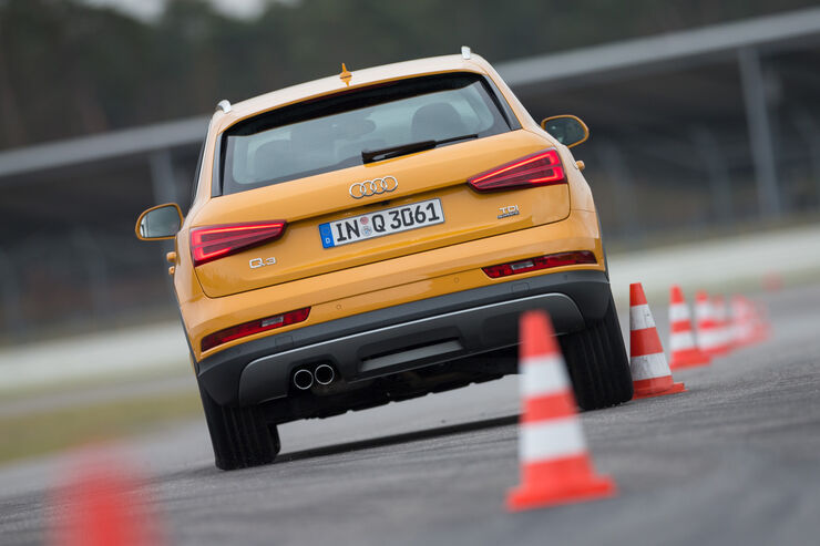Audi Q3 2.0 TDI Quattro, Heckansicht, Slalom