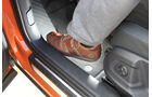Audi Q3, Aussteigen