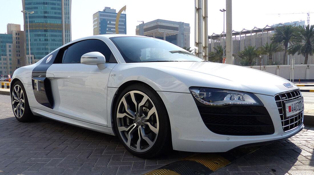 Audi R8 V10 - Carspotting Bahrain 2014