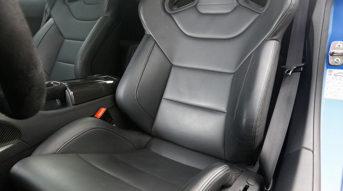Audi R8 V10 plus 5.2 FSI, Fahrersitz