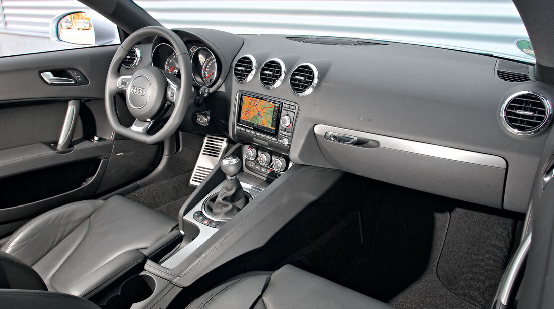 Audi TT, Cockpit