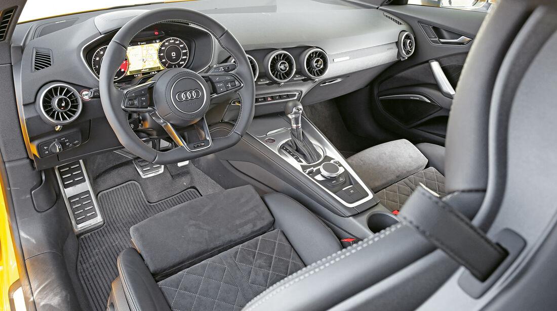 Audi TTS Coupé, Cockpit