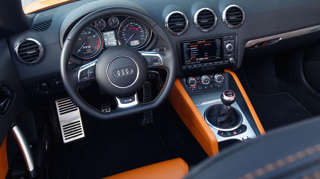 Audi TTS Roadster, Lenkrad, Cockpit