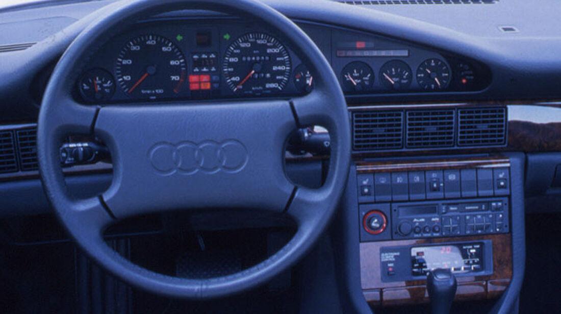 Audi V8 3.6 Cockpit Lenkrad