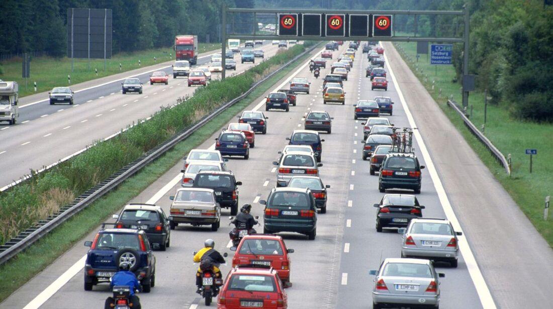 Auf Autobahnen ist die Gefahr eines Folgeunfalls sehr hoch.