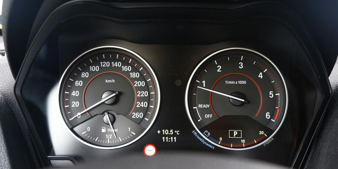 BMW 120d, Rundinstrumente