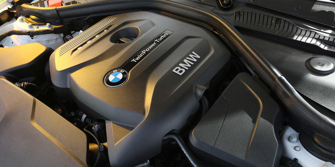 BMW 120i AUT, Motor