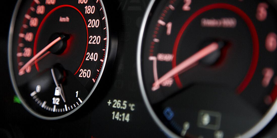 BMW 1er, 2011, Tacho