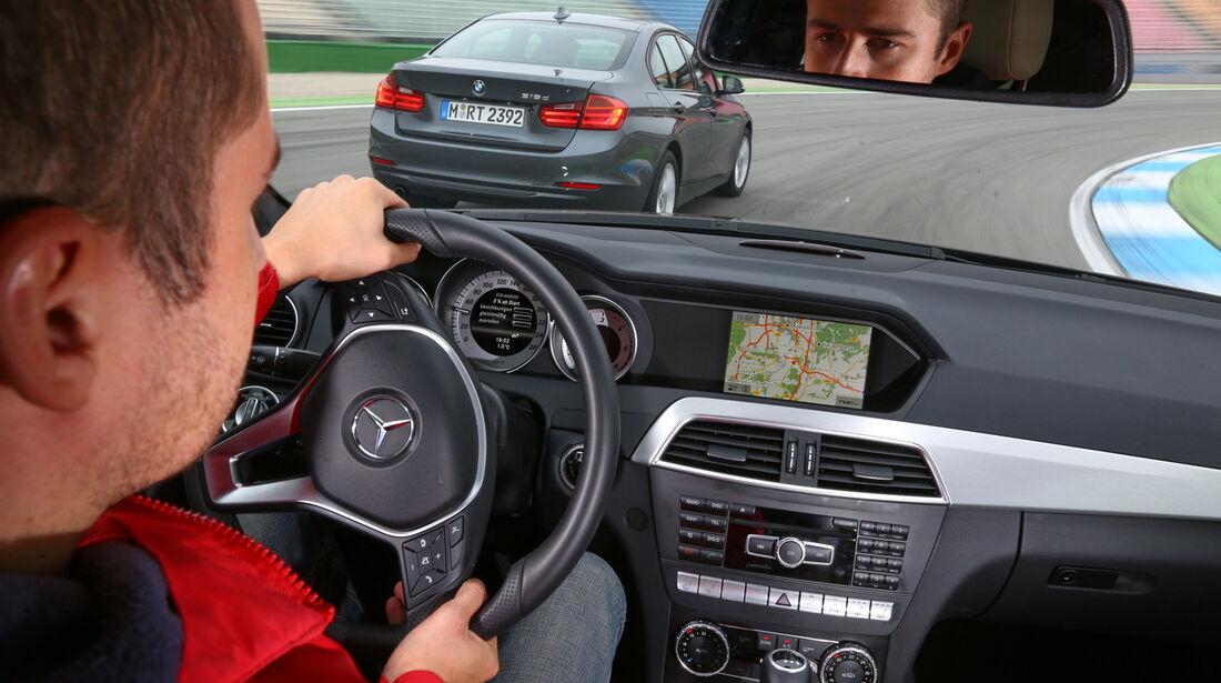 BMW 316d, Mercedes C 180 CDI, Cockpit, Lenkrad