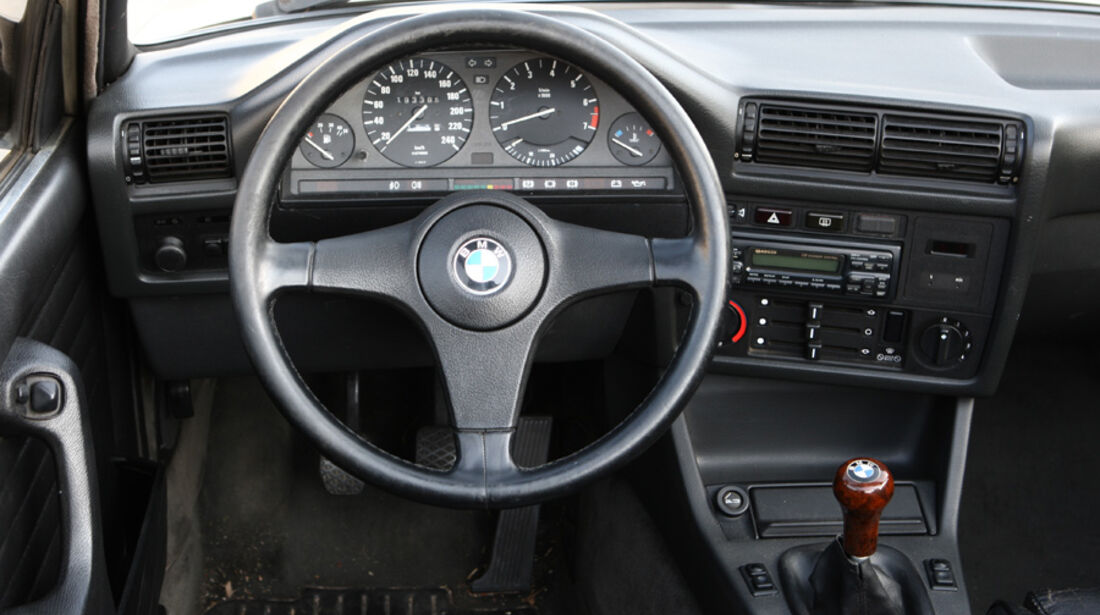 BMW 320i Baur Topcabriolet (TC2), Baujahr 1986, Cockpit
