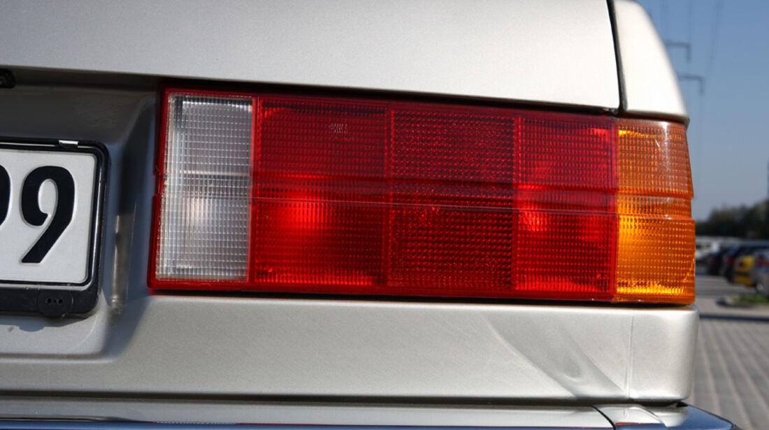 BMW 320i Baur Topcabriolet (TC2), Baujahr 1986, Rücklichter