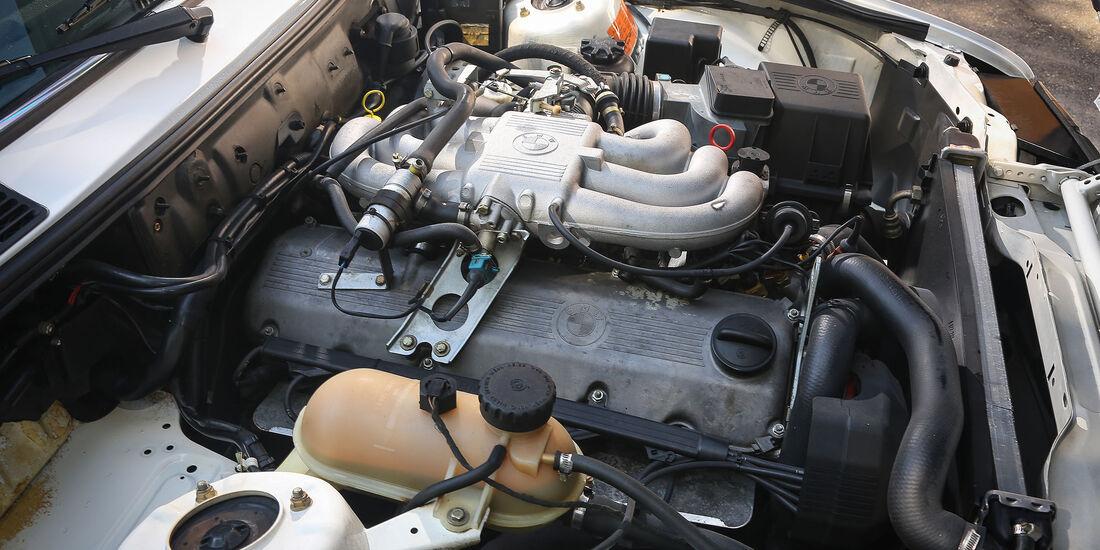 BMW-325e-Motor