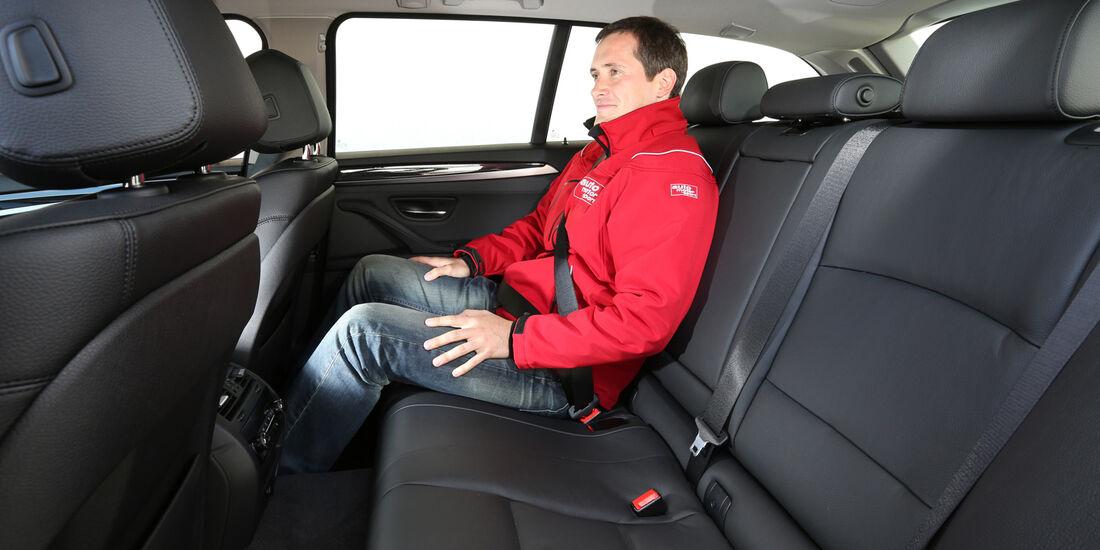 BMW 518d Touring, Rücksitz, Beinfreiheit
