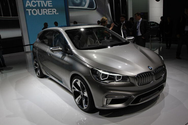 BMW Concept Active Tourer, Messe, Autosalon Paris 2012