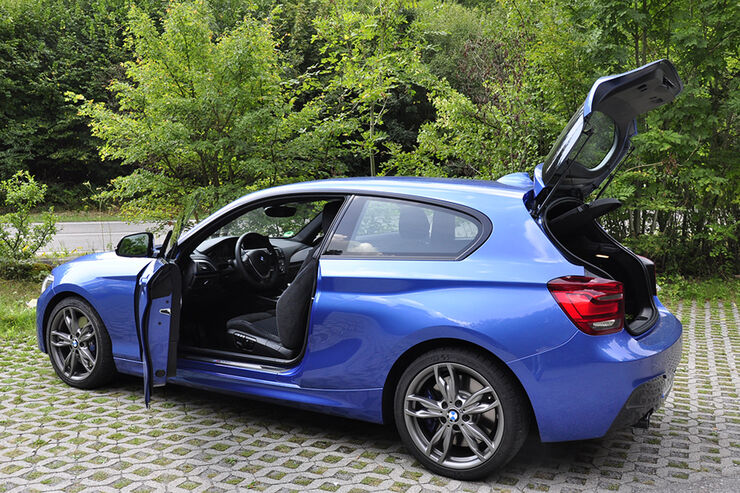 innenraum check bmw m135i suche sportlichen typ der. Black Bedroom Furniture Sets. Home Design Ideas