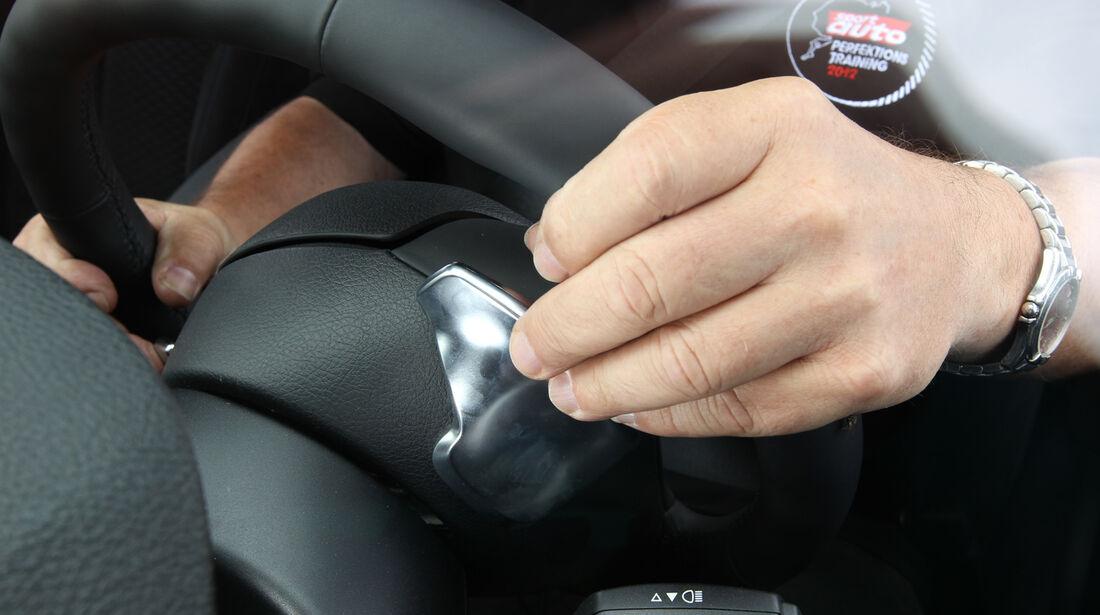BMW M135i, Wippschalter