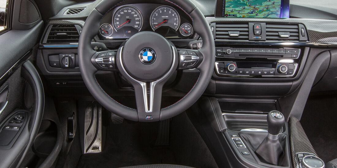 BMW M4, Cockpit