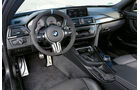 BMW M4 Performance, Cockpit