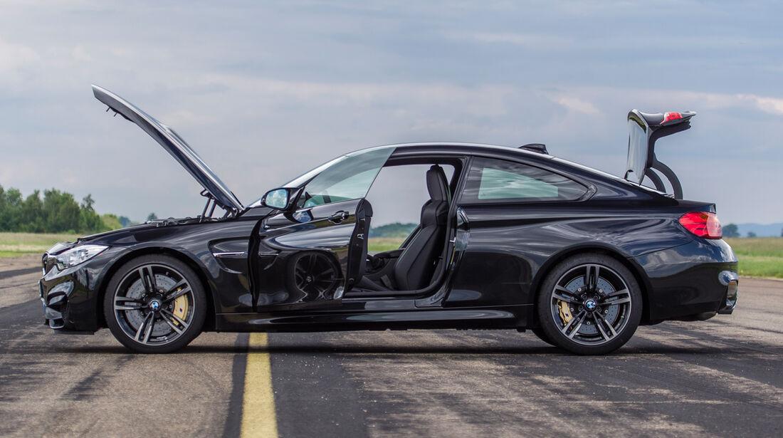 BMW M4, Seitenansicht, Türen offen