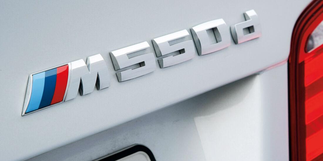 BMW M550d x-Drive, Typenbezeichnung, Emblem